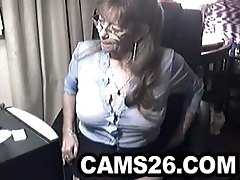 Lovely granny with glasses 6 - Cams26.com