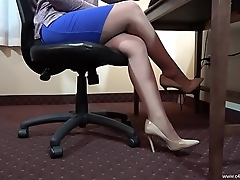 Chyna Down in the mouth Pantyhose Shoeplay