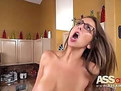 Layla London 18yr Old Chubby Natural Boobs